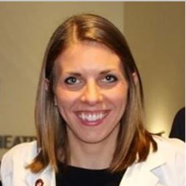 Dr.Jennifer Masucci (veterinarian)